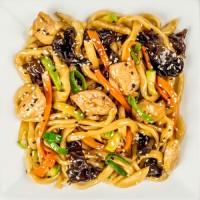 Вокси с дайконом, цукини, морковью, древесными грибами, луком,мясом цыпленка, вес: 300 грамм