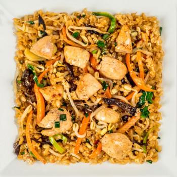 Жареный рис с цыпленком